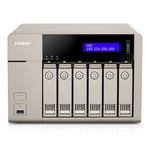 QNAP TVS-663 / AMD 2.4GHz / 4GB RAM / 6x 3.5 SATA III / USB 3.0 / 2xGLAN / PCIe / HDMI / zlatá (UMNP004062)