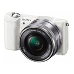 Sony Alpha ILCE-5000 + 16 - 50mm / 20,1 Mpix / CMOS / 3 LCD / bílá (ILCE5000LW.CEC)