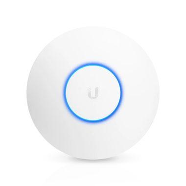 Ubiquiti UniFi AP AC PRO / Vnitřní a venkovní / 2.4GHz - 450Mbps / 5GHz - 1300Mbps / 122m / 802.3af PoE & 802.3at PoE+